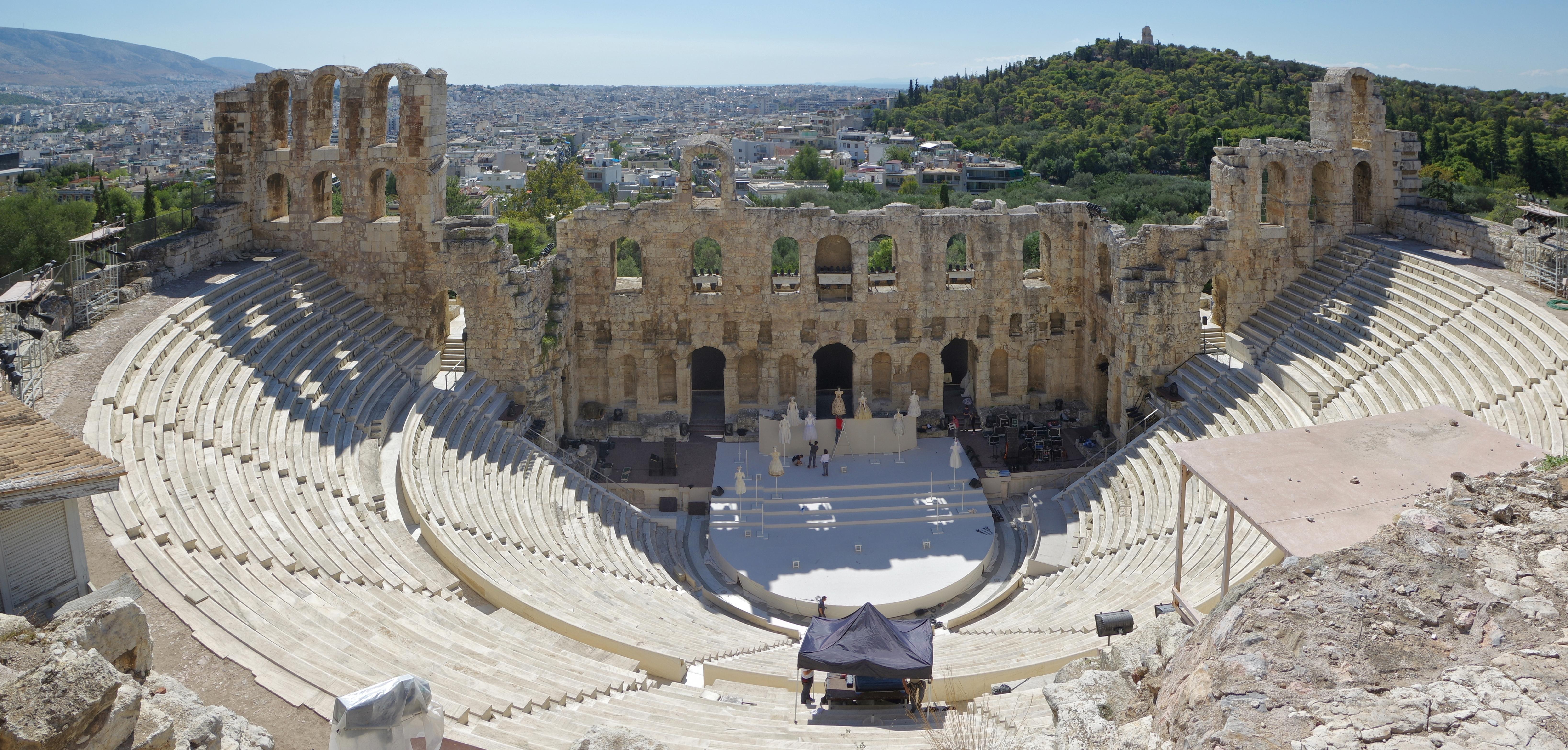 Athen_Odeon_Herodes_Atticus_BW_2017-10-09_13-12-44